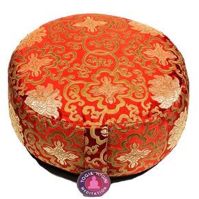 Meditatiekussen met een rood lotus patroon