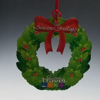 acrylic wreath ornament_edited.jpg