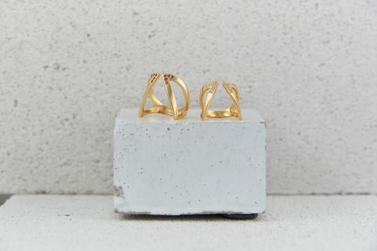 AAD20 Cristals Open Ring Goldx2 3.jpg