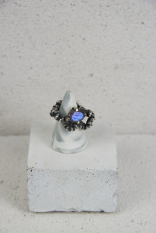 AAD20 Ring Twist Violet3.jpg