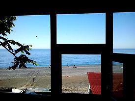 вид из окна 4-х местной комнаты орлан