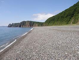 галечный пляж бухта Орлан