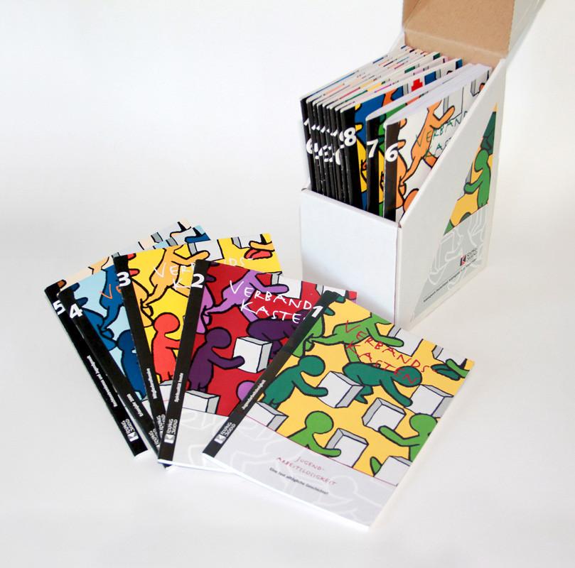 Verbands-Kasten/ Broschüren