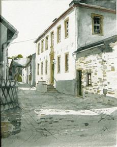 Rosa Haus im historischen Ortskern Kronenburg