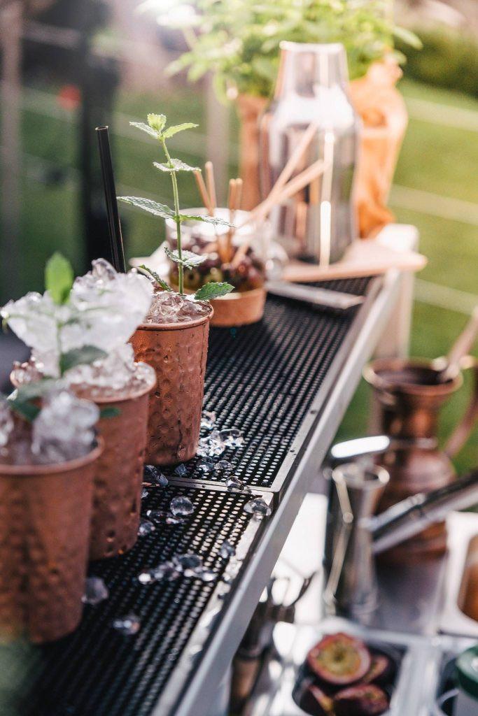 Cocktail catering station con barmat in gomma, di design e professionale