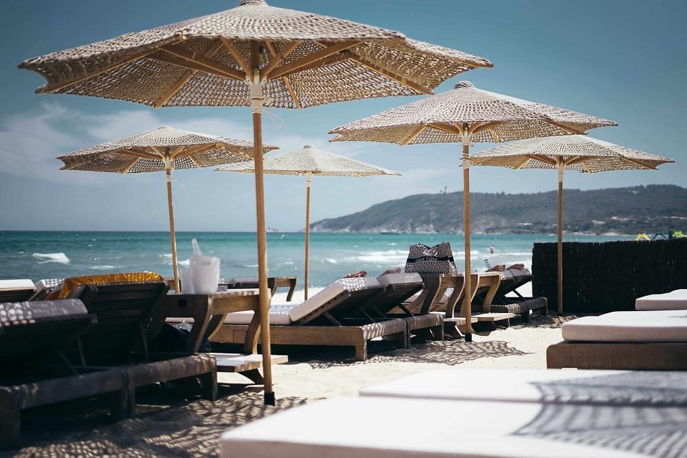 Cocktail station personalizzata per spiaggia trasportabile in legno
