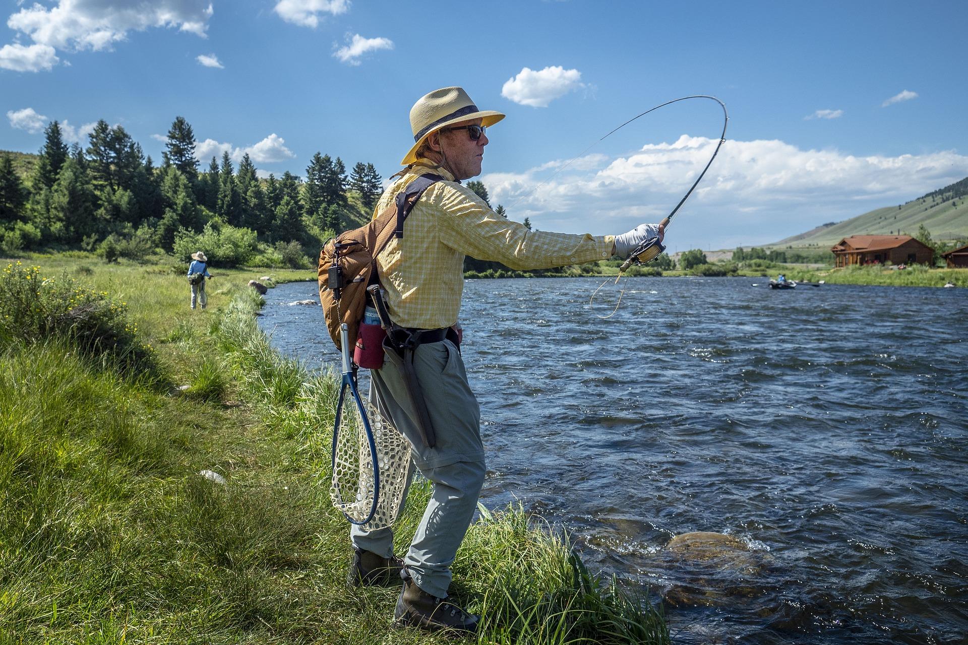 fisherman-3698511_1920.jpg
