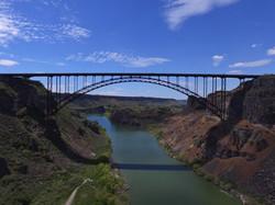 bridge-2958971_1920.jpg
