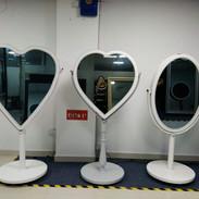 Selfie Mirrors