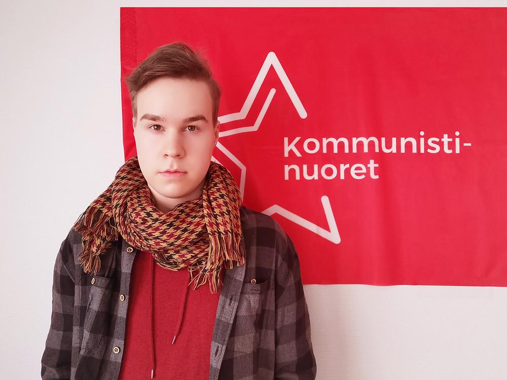 Kommunistinuorten puheenjohtaja Jiri Mäntysalo.
