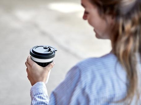Coffee to Go Becher aus Porzellan: Vorteile für Mensch & Umwelt