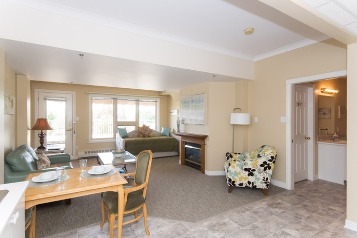 Living Room of Governors Walk Suite