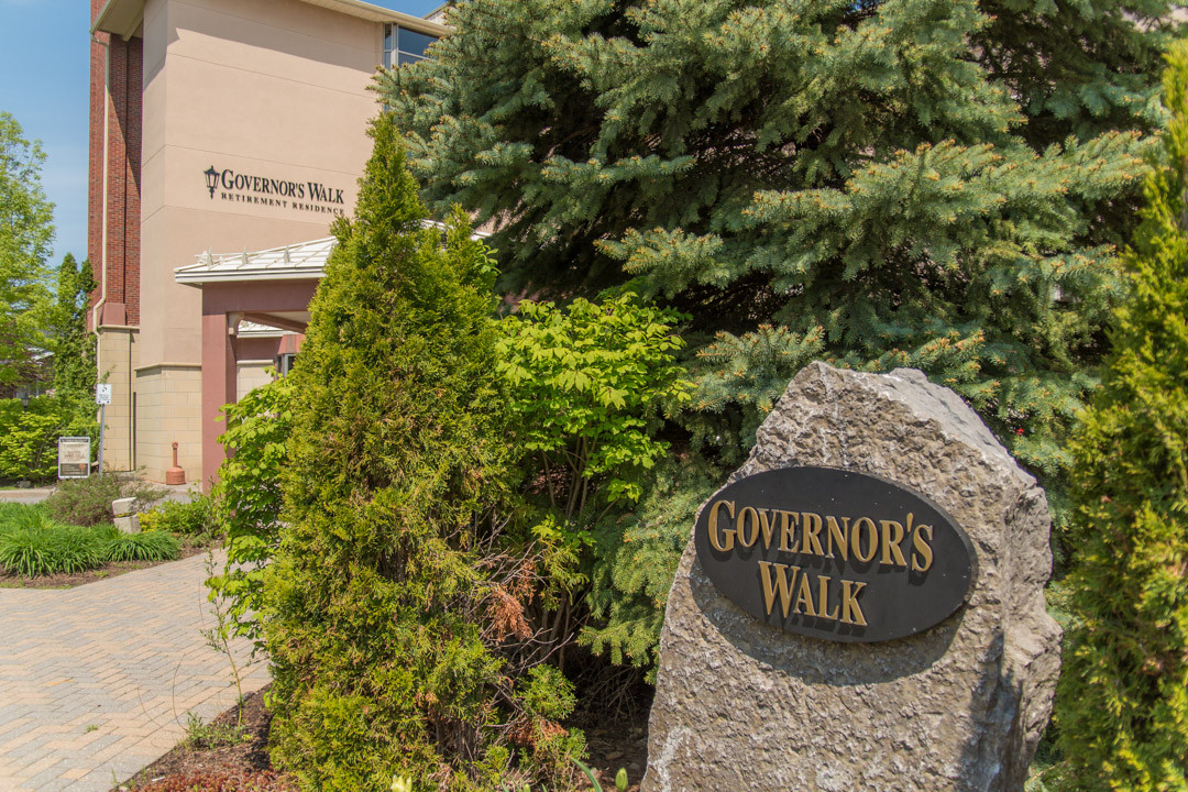 The front entrance of Governors Walk