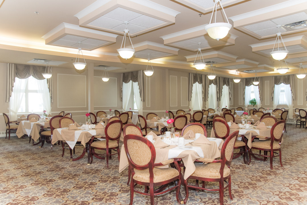 Photograph of the main dining room at Governors Walk