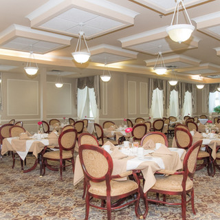 Governos Walk dining room