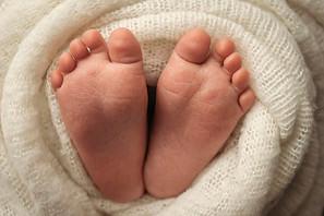 Tiny fingers, tiny toes