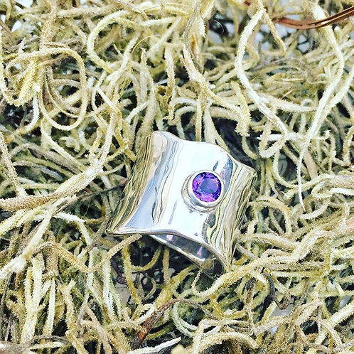 Silver Wide Wave Aldan Ring with Amethyst