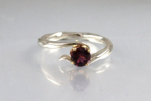 Twist and Turn Silver Ring with Garnet