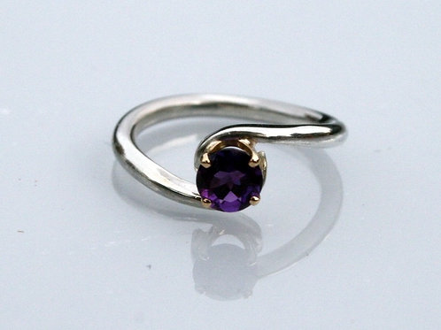 Purple Wave Bypass Ring