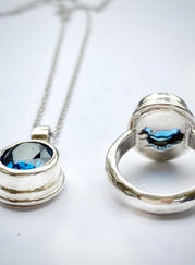 Ring-Pendant-Iceland-blue