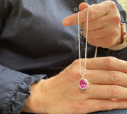 Pendant-pink-gemstone-Oval