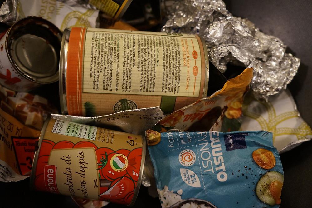 Metalli- ynnä muiden pakkausten kierrättäminen säästää ympäristöä.