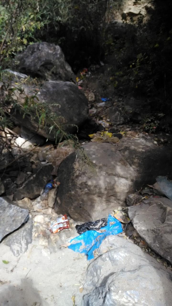 Teiden varsilla ja vaelluspoluilla näkyy yllättävän paljon roskia.
