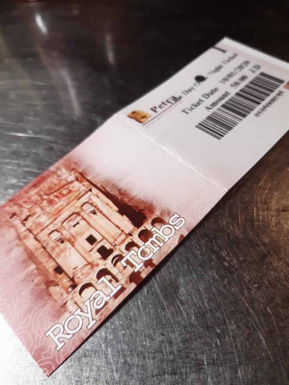 Matka Eilatista Petraan maksaa halvimmillaankin n. 290 euroa.