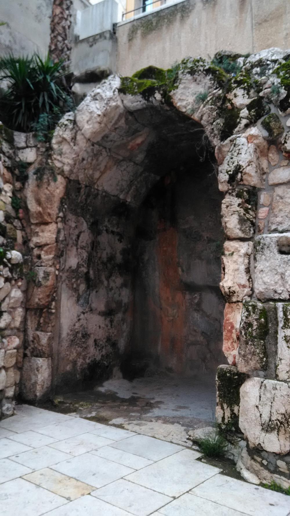 Jerusalemin vanhassa kaupungissa liikutaan lähinnä jalkaisin.