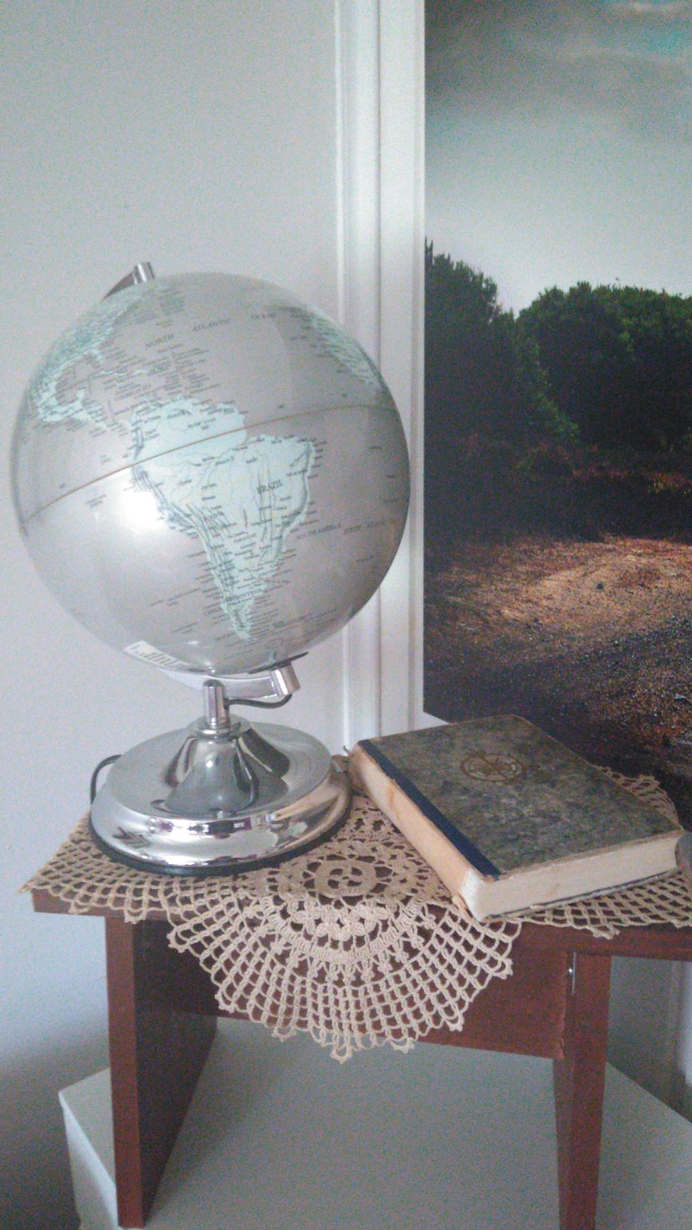 Ruhtinaallinen retki romantiikan maille on kirja, mikä houkuttelee suunnittelemaan uusia matkoja.