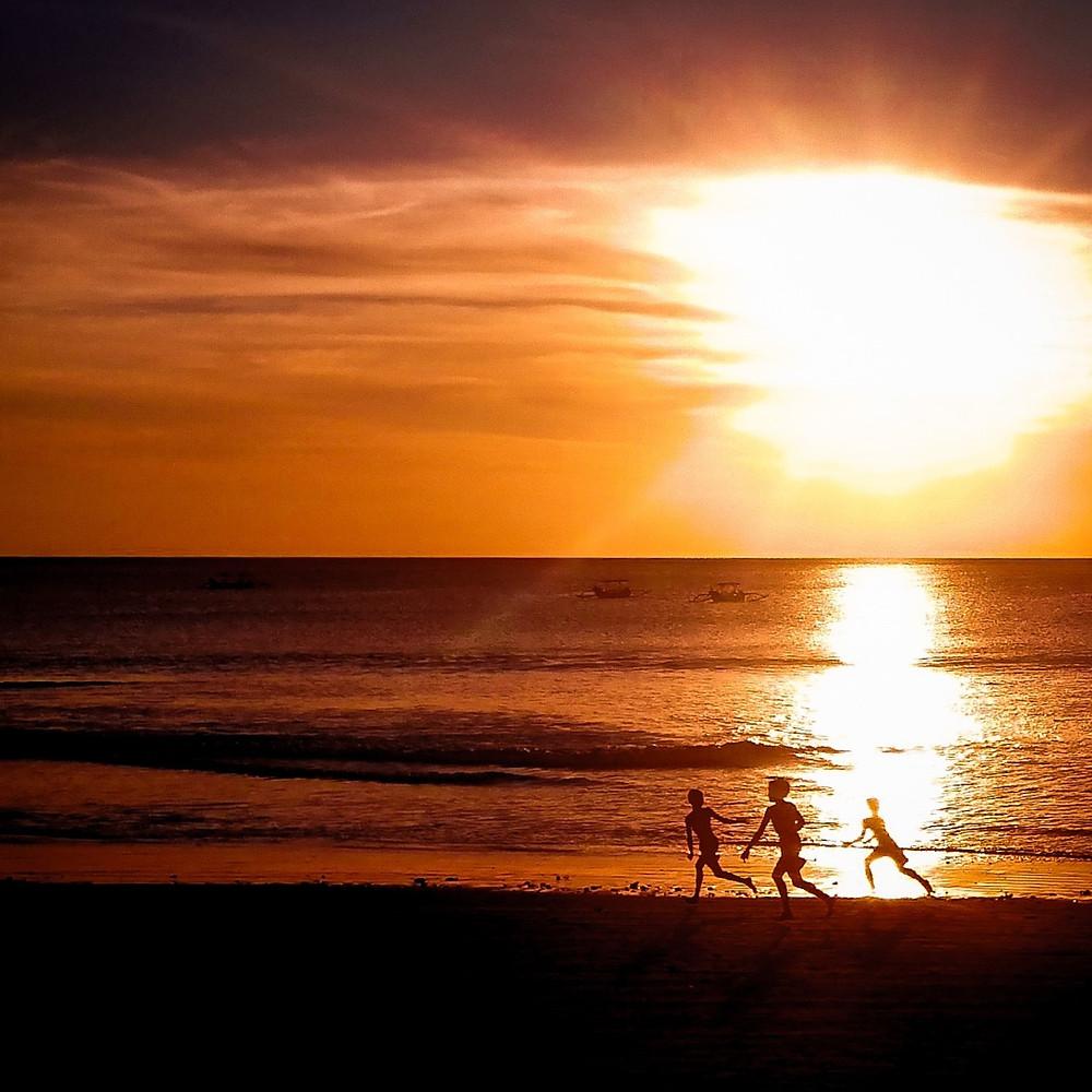 Auringonlaskut Balilla ovat ikimuistoisia.