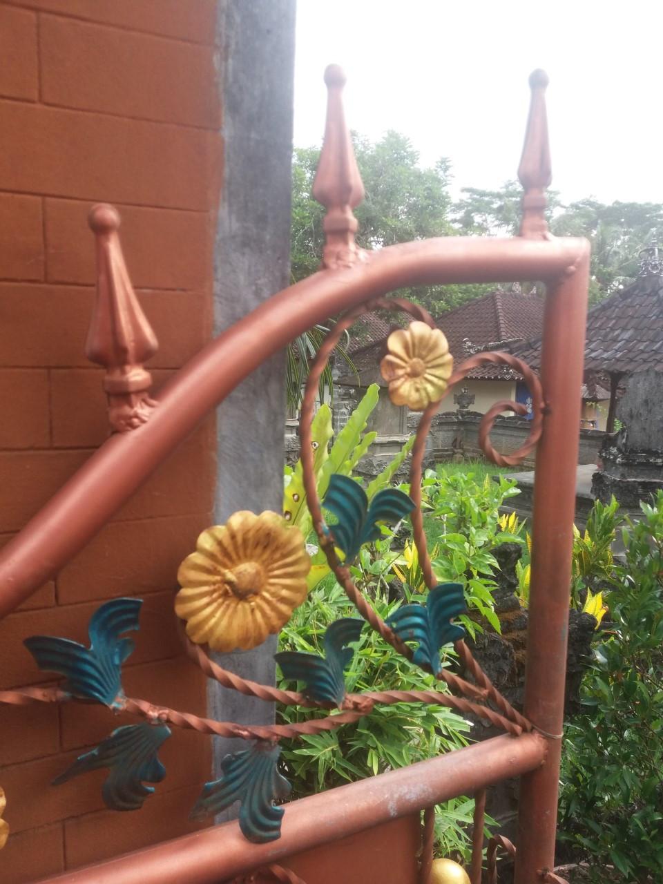 Portitkin koristellaan kauniisti.