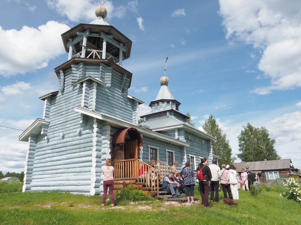 Vuokkiniemen uuden kirkon rakentamisessa vaikutti merkittävästi Suomessa toimiva Vuokkiniemi-seura.
