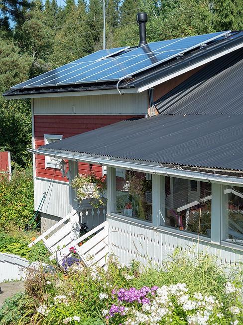 Mittumaarivaarassa pyritään sähköomavaraisuuteen aurinkopaneeleilla.