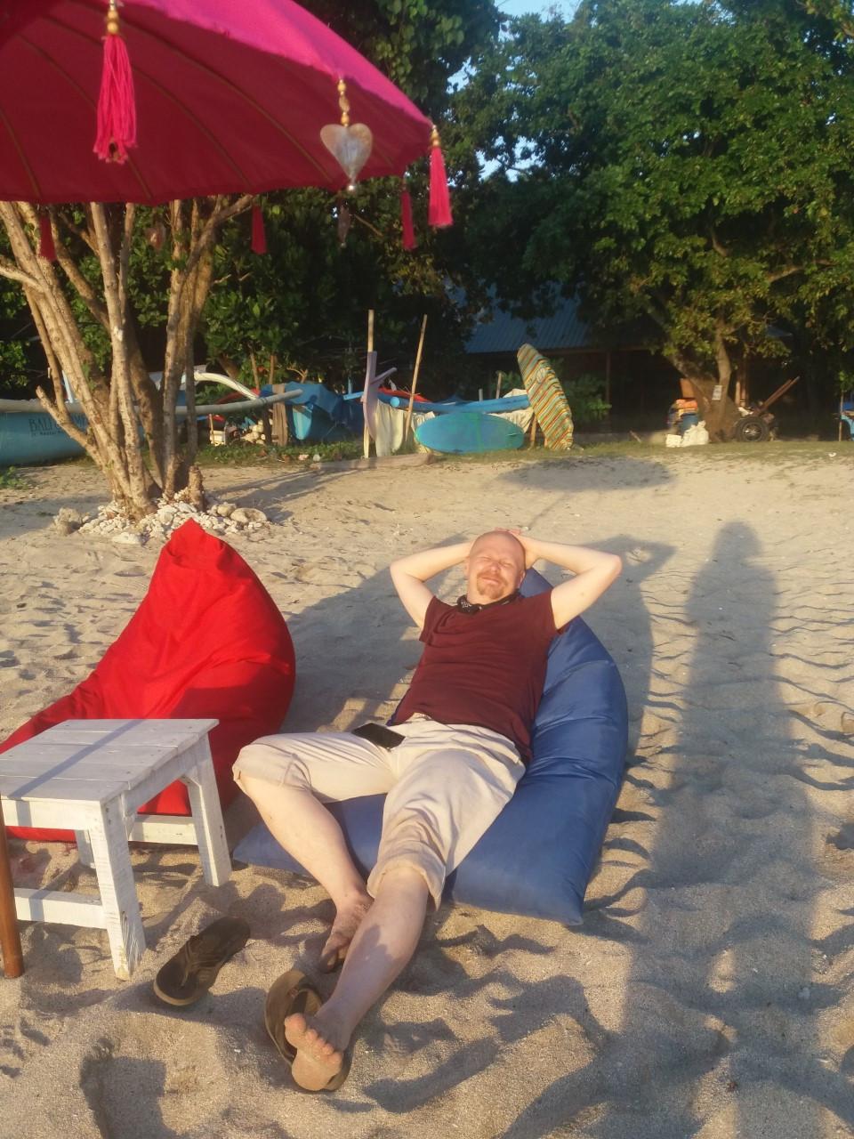 Balilla voit palvoa aurinkoa, etsiä itseäsi tai vaikka vaeltaa.