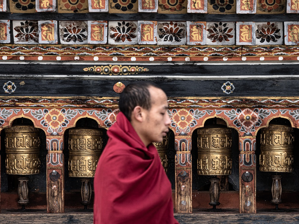 Buddhalaisten rukousmyllyt ja -liput lähettävät onnea maailmaan.