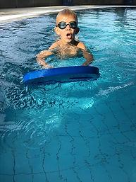 swimming-1718534_1920.jpg