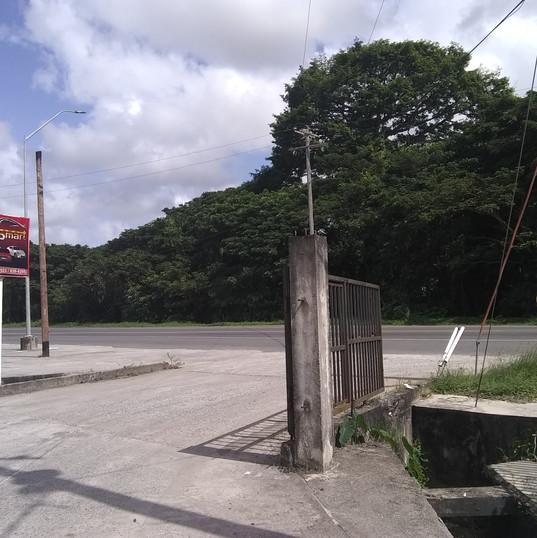 entrance off public poad