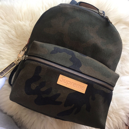be9a5b9b934c 100% Authentic Louis Vuitton x Supreme New York Camouflage SS17 Apollo  backpack
