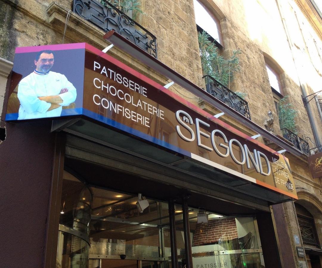 Enseigne Lettres relief Aix en Provence