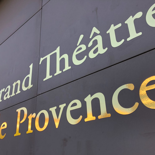 Enseigne adhésifs doré Aix en Provence