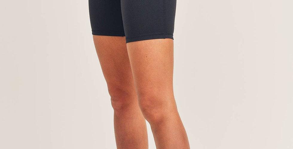 Essential Performance Highwaist Shorts