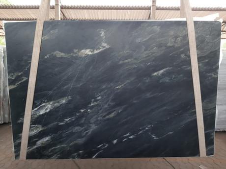 3cm Leather Black Sea Quartzite