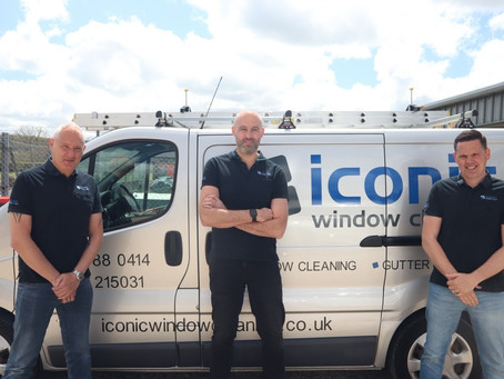 Window cleaning franchise trains first two franchisees