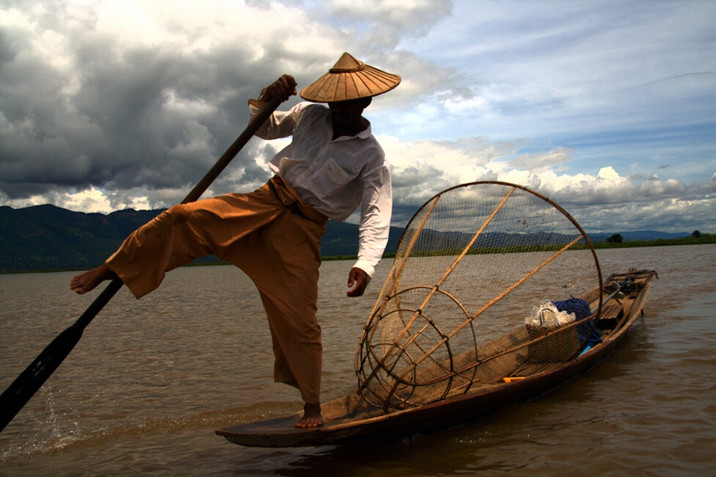 Day 74: Floating through stilt towns of Inle Lake