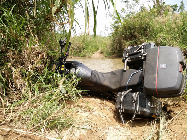 Day 139: Bombie scare at failed Laos river crossing