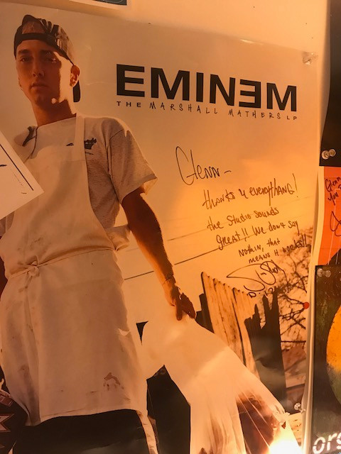 Picture of Eminem writing to Glenn Brown of GBP Studions