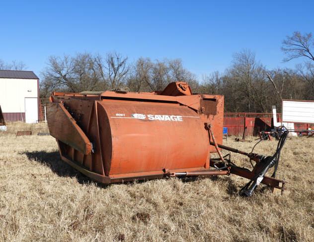 04-Farm_Auction