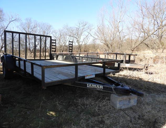 30-Farm_Auction