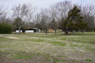 NO RESERVE REAL ESTATE AUCTION: 7AC on the Highway